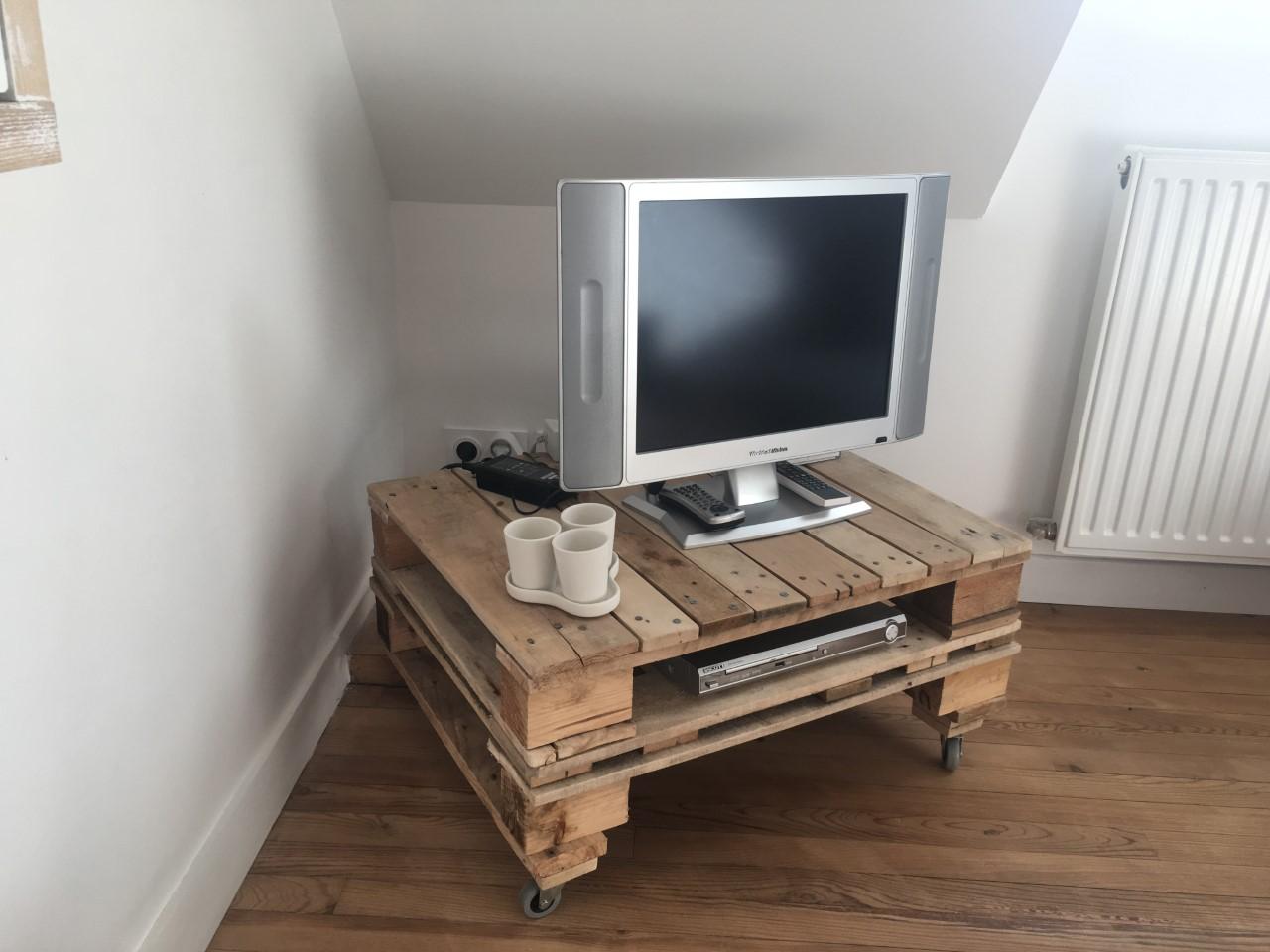 table basse ou meuble tv en bois de palette