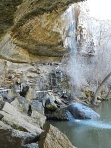 trail in grotto