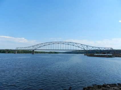 mississippi river in dubuque