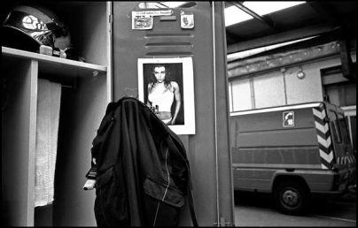 Lyon avril 2004, 20H30 casier de rangement d'un sapeur pompier caserne de gerland