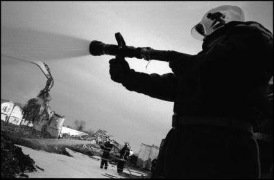 janvier 2004, zone industrielle angoulême. 5 heures de combat à été nécessaire pour arriver à maitriser l'incendie