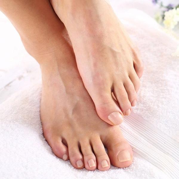 moisturize feet