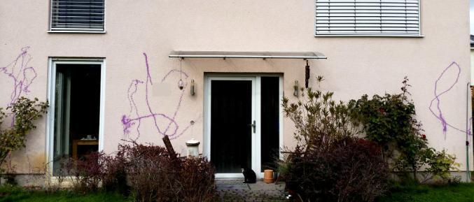 Antifa beschmiert Haus des AfD-Politikers Jens Pochandke - FAKTUM
