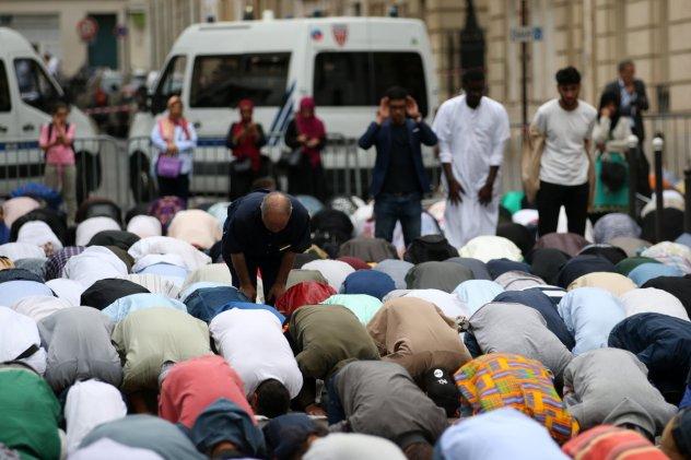 Paris - Moslems - Frankreich: Islamisierung