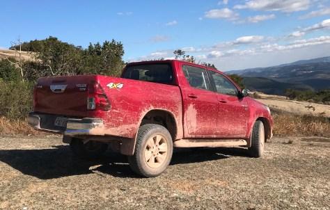 Toyota Hilux SRV Flex Falando de Carro 1