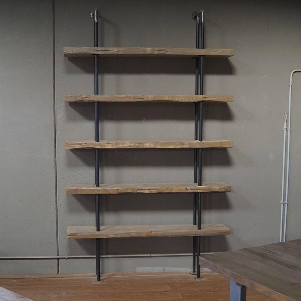 Una soluzione che regala al soggiorno stile e personalità. Categoria Librerie In Legno Massello