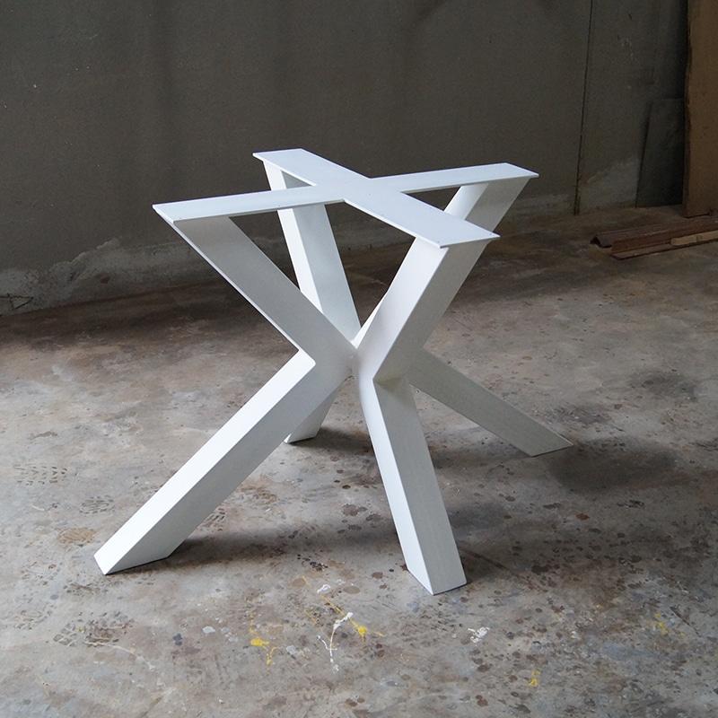 Gamba tavolo legno faggio grezza diametro 130 mm mod. Gamba In Ferro Per Tavolo In Legno Massello Modello Stella