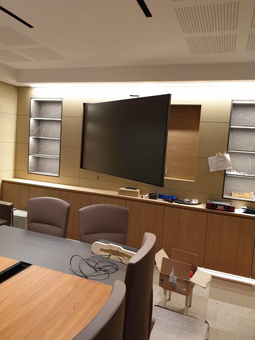 Scoprite ora la collezione di mobili e. Mobili Per Ufficio Su Misura In Legno Personalizzati A Ancona Macerata