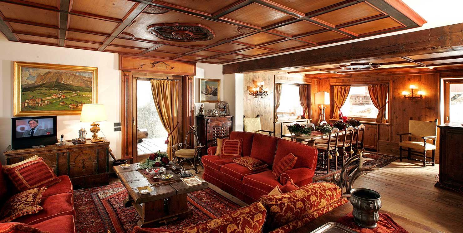 Le case in legno con arredamento moderno sono molto apprezzate: Case Di Montagna Falegnameria Lorenzi Cortina D Ampezzo