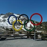 Das Olympia-Zeichen oben auf dem Whistler Mountain...