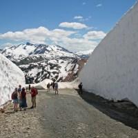 Wandern durch Schneeberge
