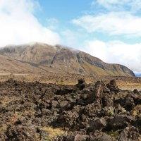 """Bei Regen sind wir gestartet zum """"Tongariro Crossing"""", aber blauer Himmel kam auch mal kurz zum Vorschein"""