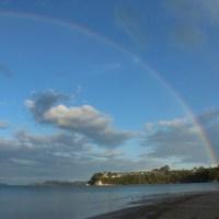 Regenbogen über Snells Beach, unserem letzten Überachtungsplatz mit dem Camper