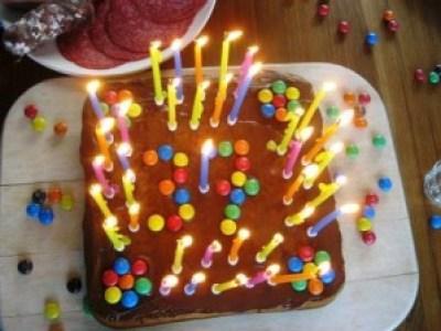 Geburtstagskuchen - an Salami