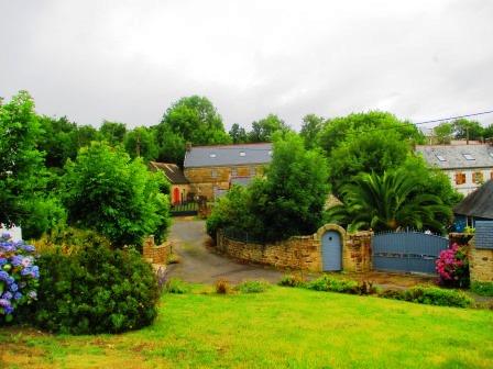 Haus. Mit Garten.