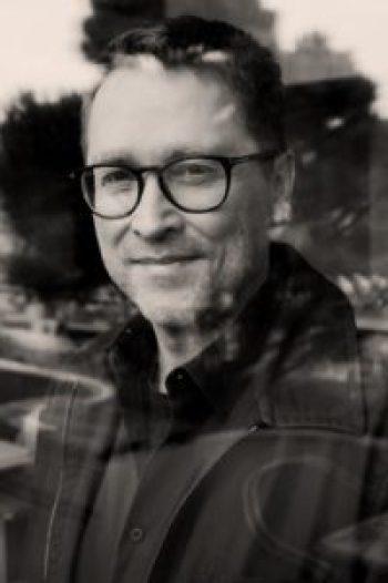 Jan Weiler - Liebt die Kamera noch mehr als ich (Foto: Tibor Bozi)