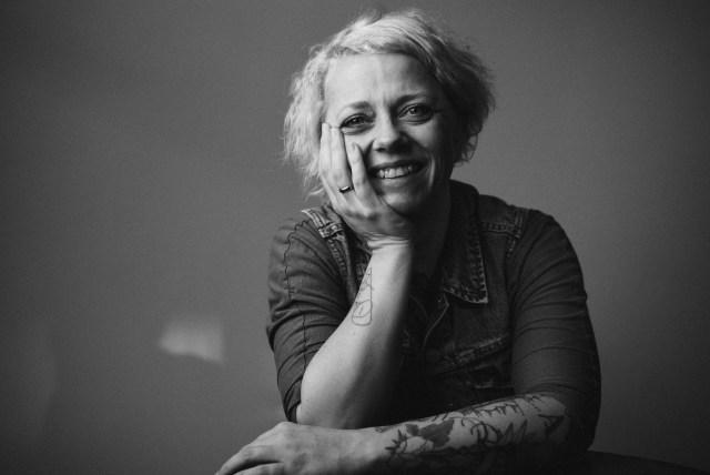 Rike Drust. Die schreibende Mutter mit den schönsten Tattoos (© Sven Hoffmann)