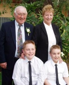 Cornelis en Anna met hun kleinzonen Adam en Bradley