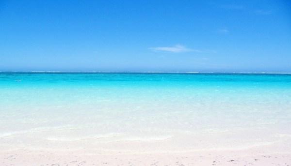 Pourquoi la mer est bleue expliquée aux enfants ...
