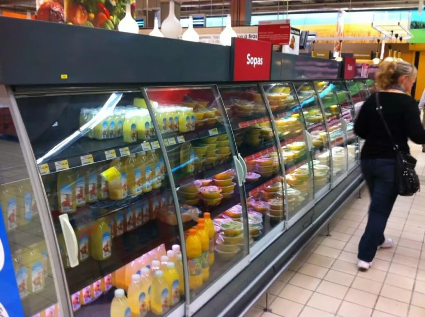 Le rayon soupes au centre commercial Colombo avec la famille nomade digitale lisbonneavril 2014
