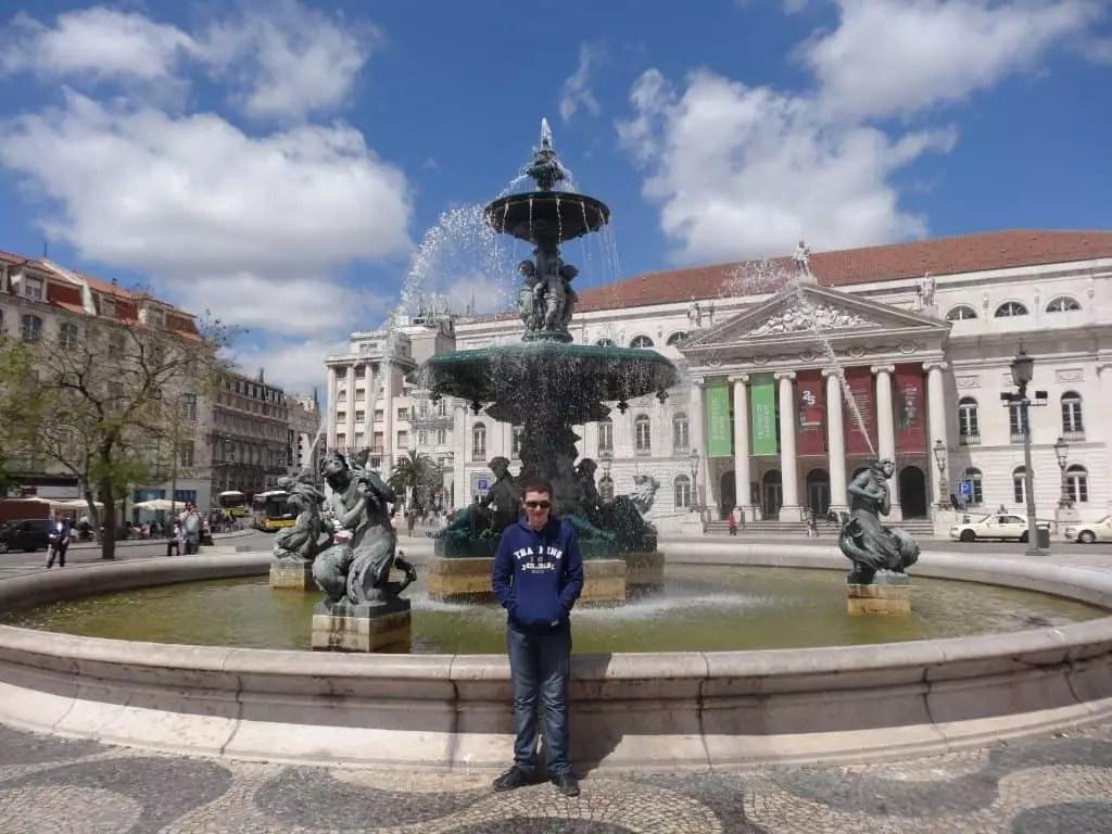 fontaine de Lisbonne-famille nomade digitale