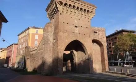 Venir à Bologne et tomber sous le charme de la ville rouge