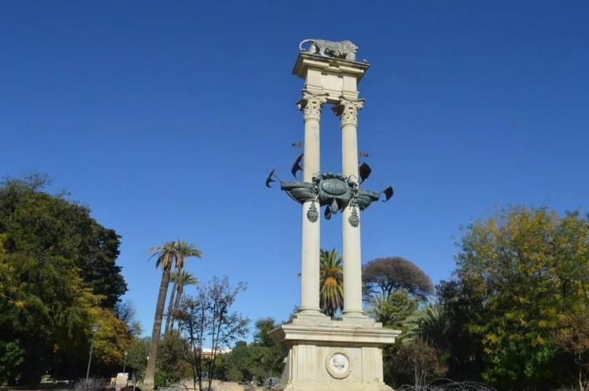 Famille nomade digitale- Séville-monument Christophe Colomb