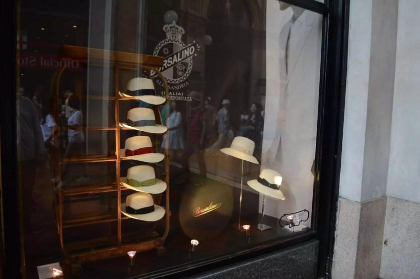 Boutique Borsalino Milan-famille nomade digitale en italie