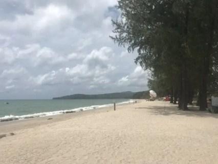 Famille nomade digitale plage Phuket
