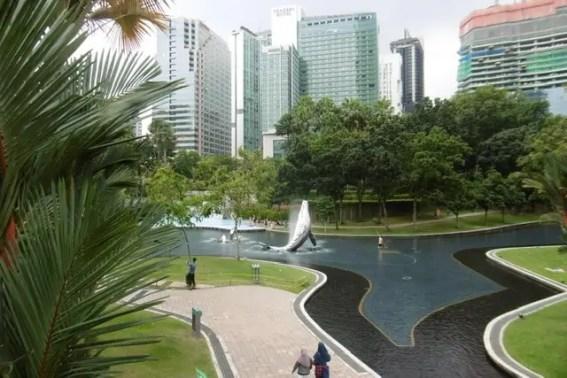 Le parc aux pieds des tours Petronas