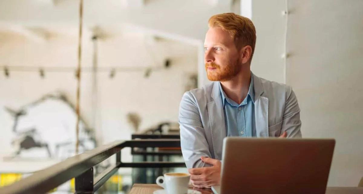 Comment trouver son activité en ligne et travailler en voyageant