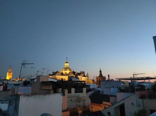 logement airbnb Séville avec terrasse sur le toit