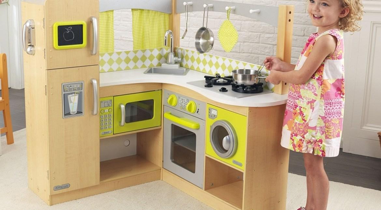 cuisine en bois pour bébé