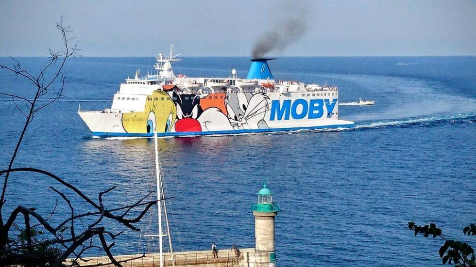 Moby arrivant à Bastia avec Titi, Gros Minet et tous ses amis