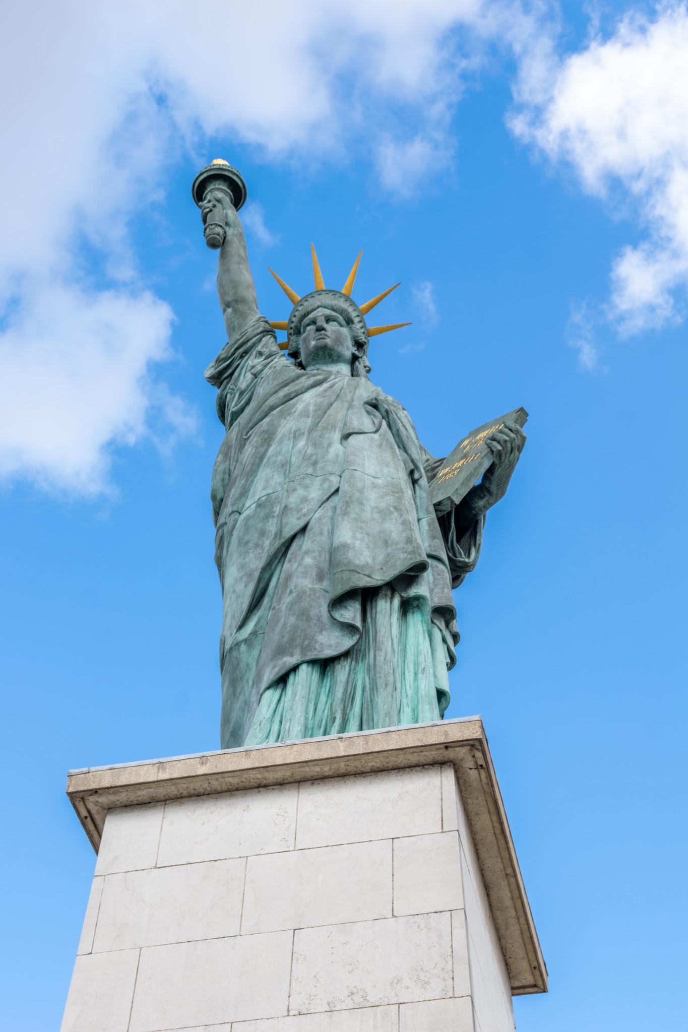 Statue de la Liberté sur l'Île aux Cygnes