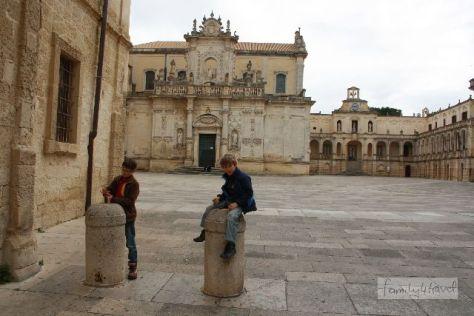 Die Piazza Duomo beherbergt den Bischofspalast.