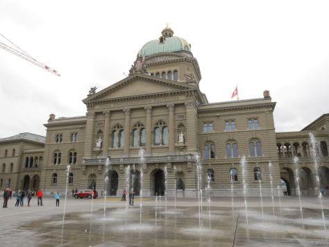 Im Berner Bundeshaus tagt das Schweizer Parlament.