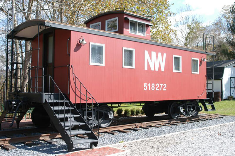 depot-lodge-wagon