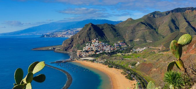 Spain, Canary Islands, Tenerife Island, San Andres City, Las Teresitas Beach