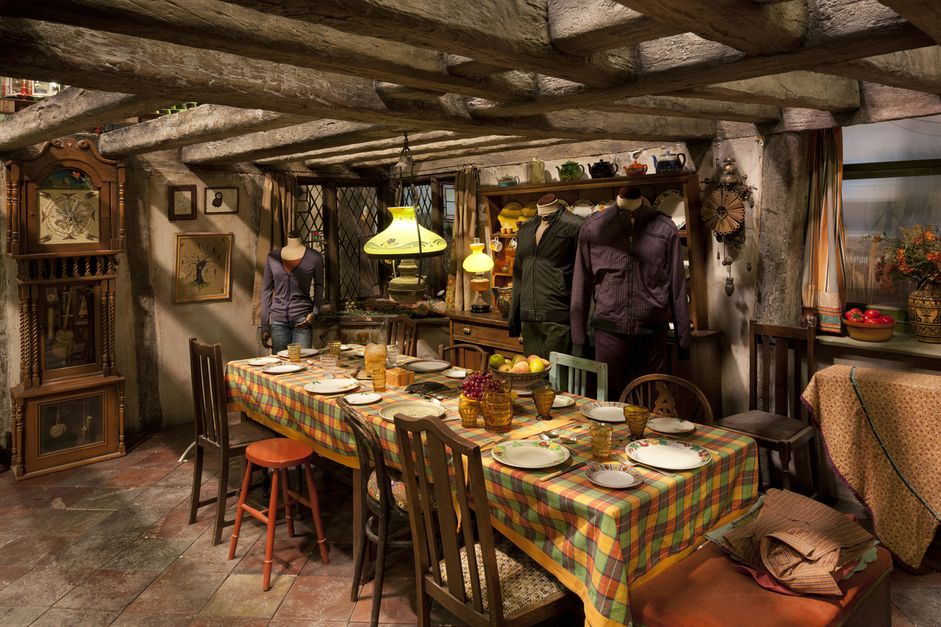 007-sets-weasleys-kitchen-1468757169-xfja