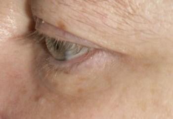Family Clan Blog Jerome Alexander Lashtech Eye Lash Enhancing Serum Side view Week 2