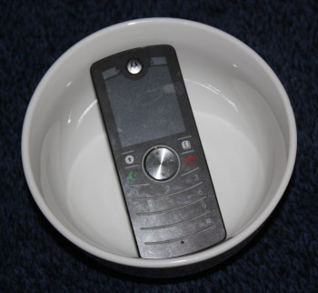 Mobile Cell Phone Bowl Glass Speaker Family Clan Blog