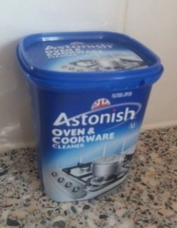 Astonish Oven and Cookware Cleaning Products Review