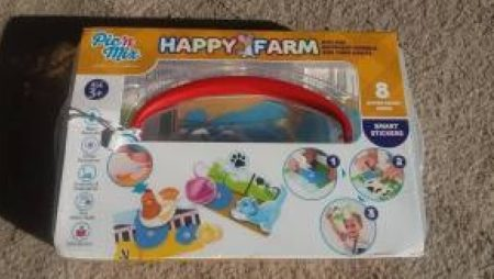 Pic'nMic Happy Farm Family Clan Blog