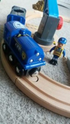 Brio World Police Transport Set Family Clan
