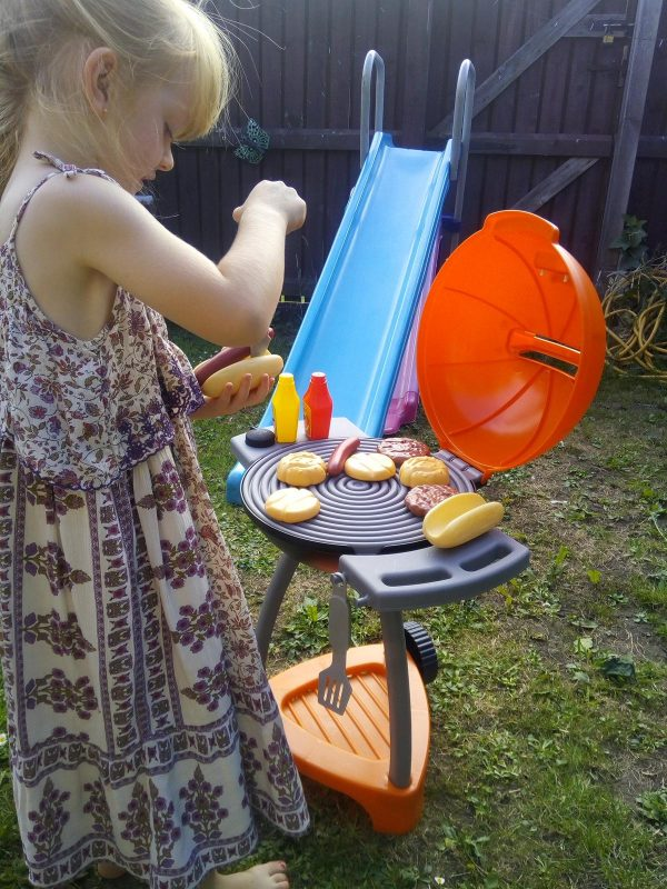 Little Tikes Sizzle 'n Serve Grill review by Family Clan
