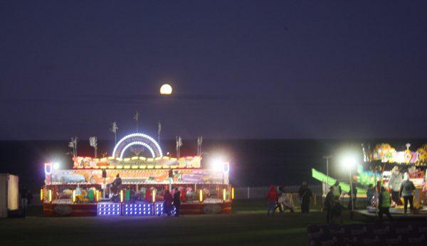 Sunderland Illuminations 2018 Moon Rising Family Clan