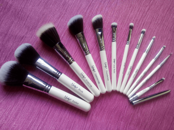 Nanshy Make Up Brushes Family Clan