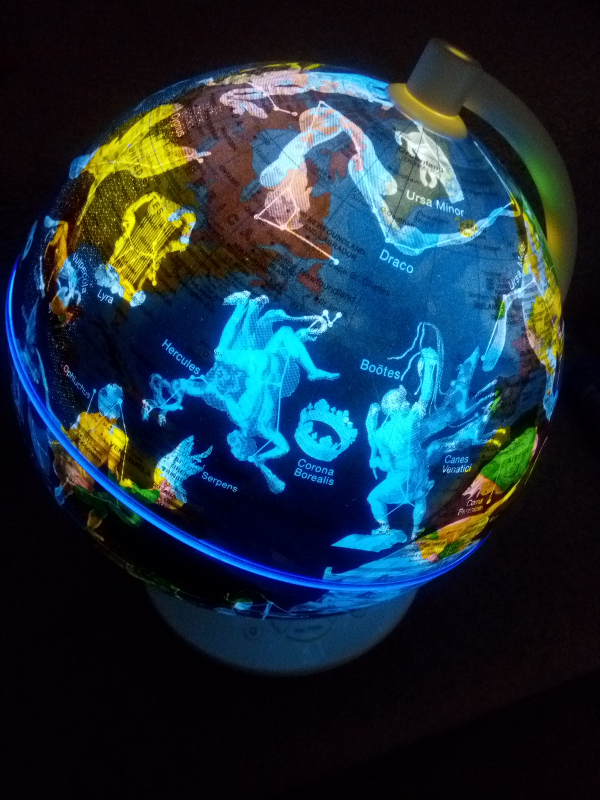 Oregon Scientific smartglobe consteallations image night light