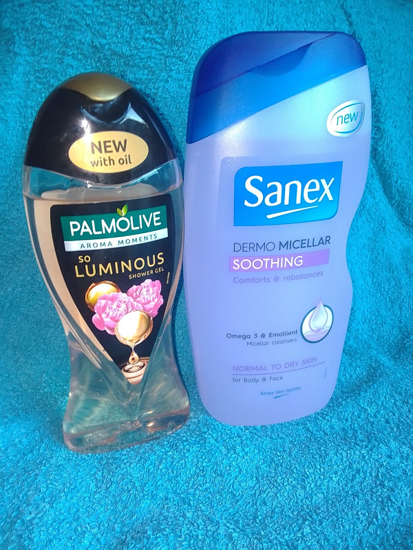 Palmolive and Sanex review by Family Clan